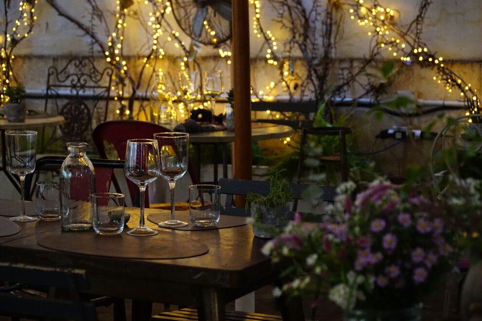 Mangia e bevi quelle notti romane in questo tesoro del giardino