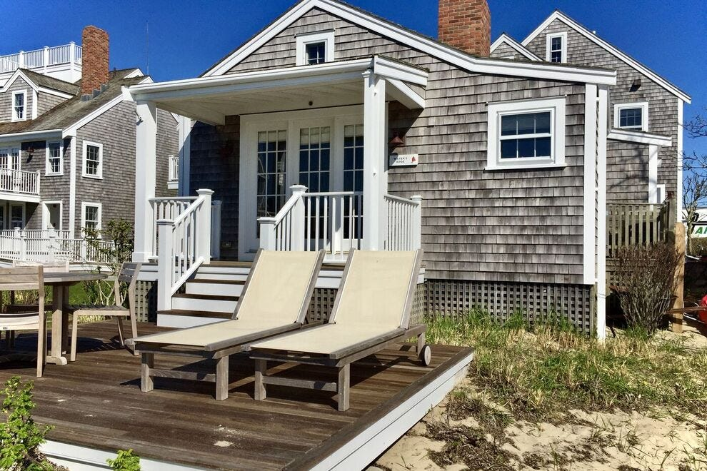 Water's Edge Cottage in Harborview Nantucket