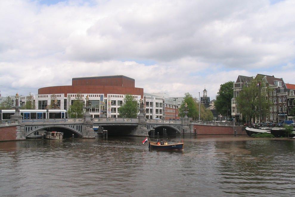 amsterdam blue light district guide