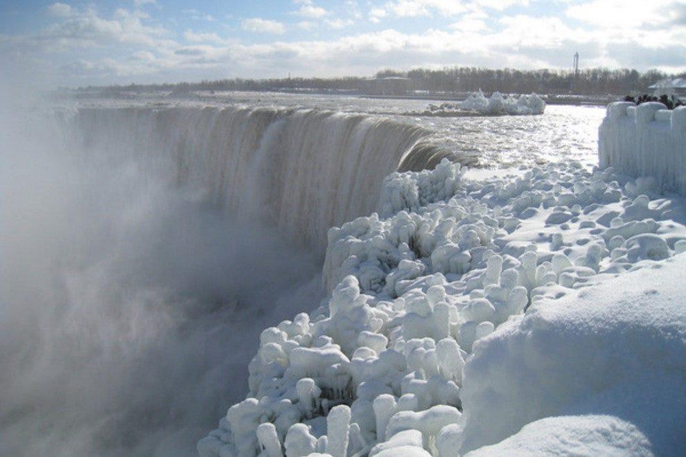 Nijagarini vodopadi - Page 2 P-niagara-falls-frosty-falls_54_990x660_201404181847
