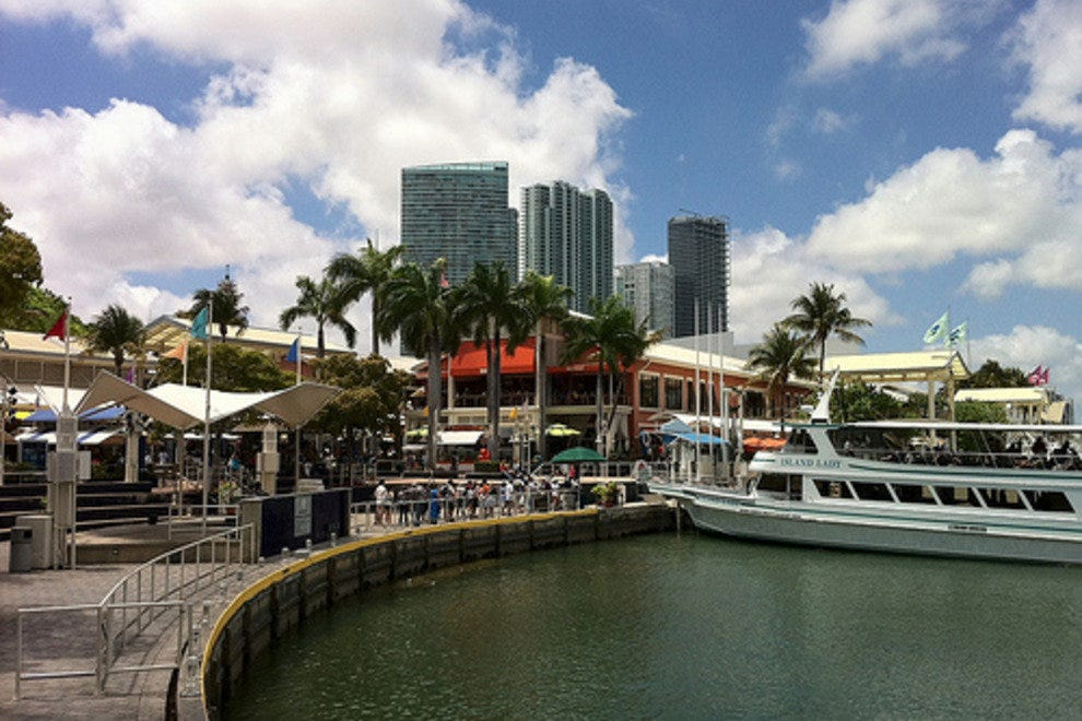 Bayside Marketplace is located in Miami, Florida and offers stores - Scroll down for Bayside Marketplace shopping information: store list (directory), locations, mall hours, contact and address. Address and locations: Biscayne Blvd., R, Miami, Florida - FL - /5(2).