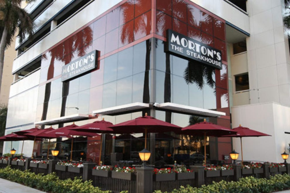 Morton 39 s the steakhouse honolulu restaurants review for Best private dining rooms honolulu