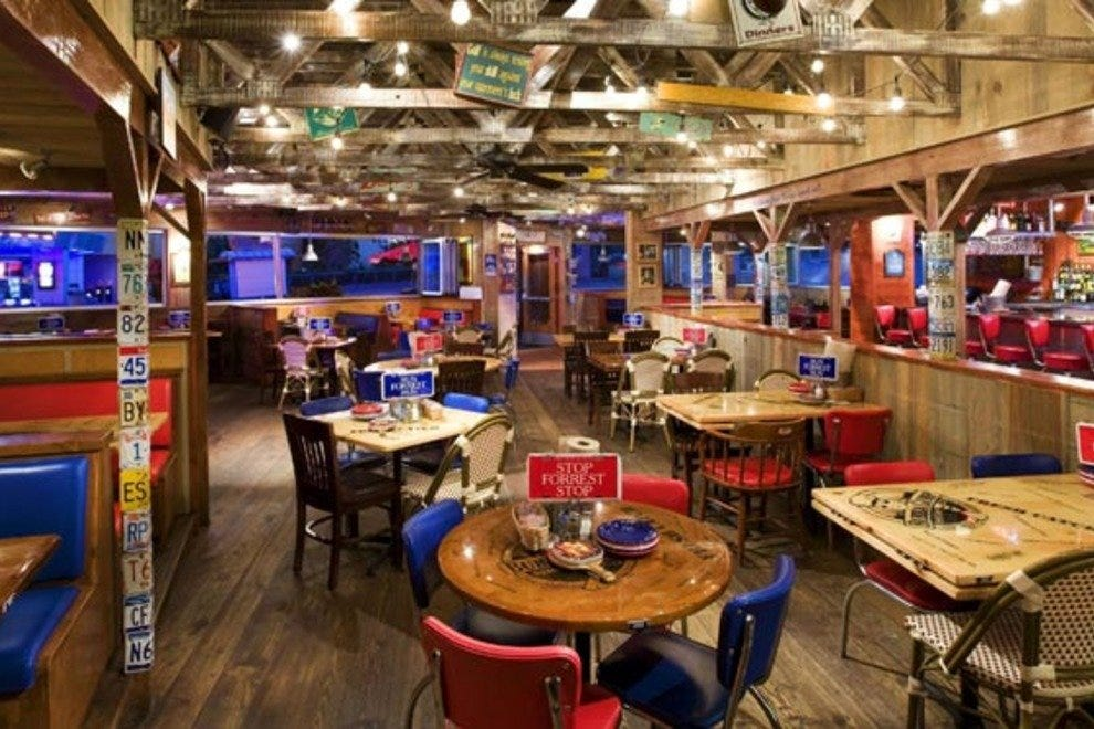 Bubba gump shrimp co maui restaurants review 10best for Fish market restaurant nyc