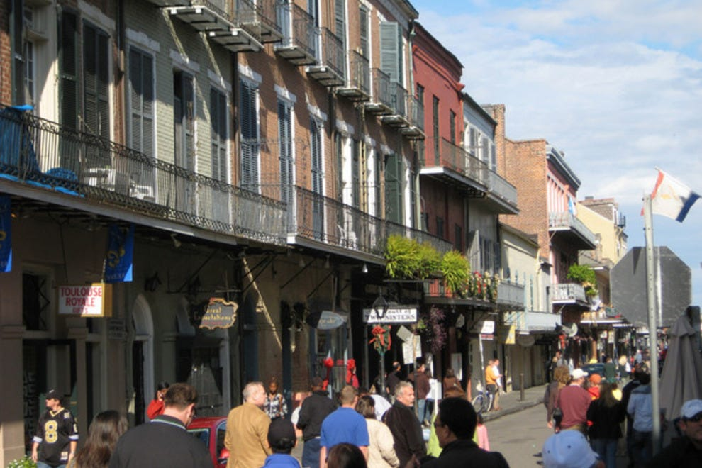 New orleans shopping shopping reviews by 10best for Magazine street new orleans shopping guide
