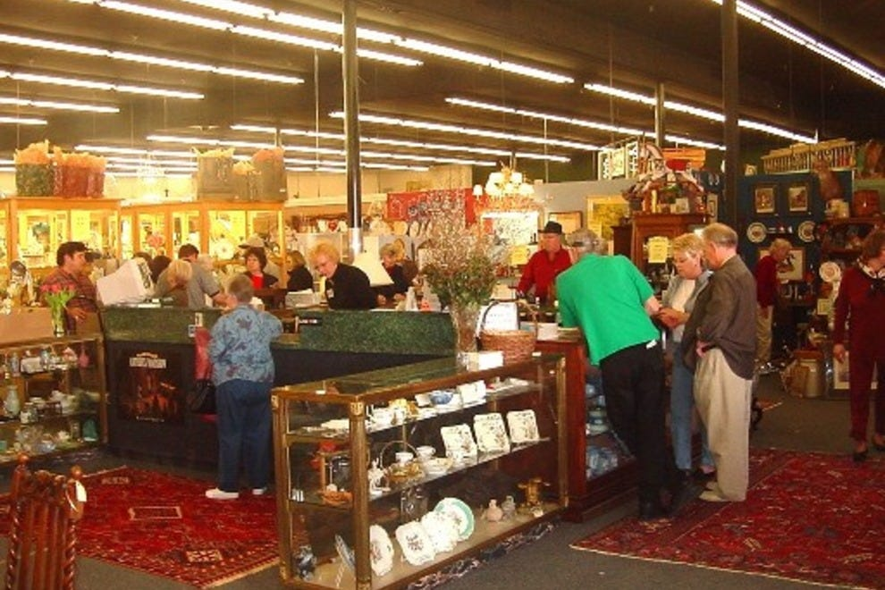 Forestwood antique mall dallas shopping review 10best for Jewelry stores in dfw area