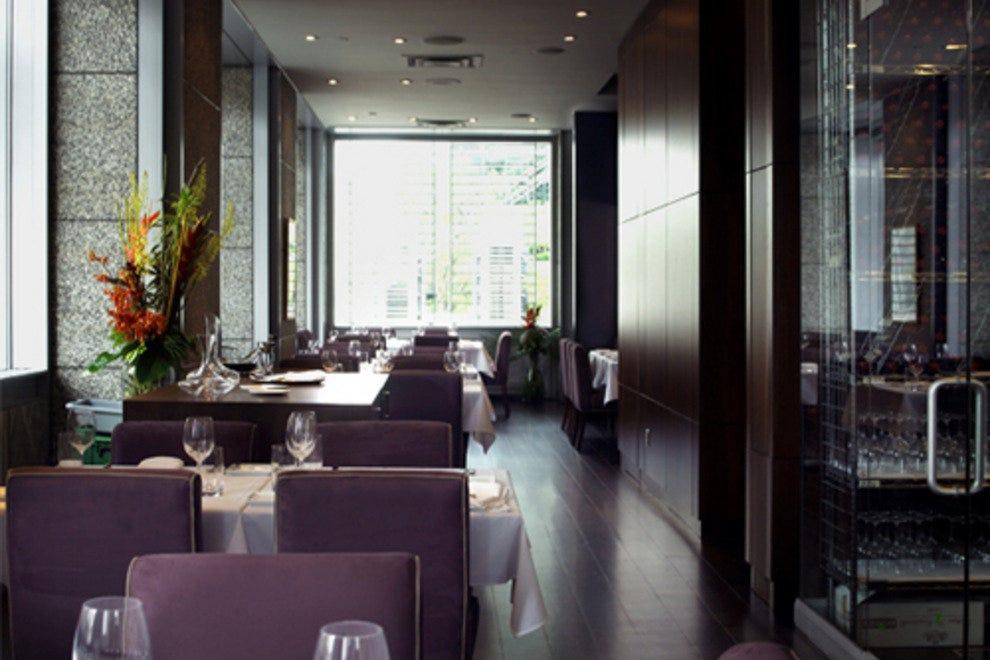montr al french food restaurants 10best restaurant reviews. Black Bedroom Furniture Sets. Home Design Ideas