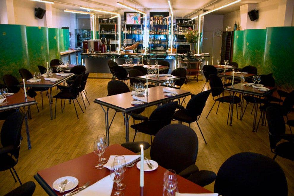 Bordewijk 10 лучших французских ресторанов в Амстердаме 10 лучших французских ресторанов в Амстердаме p bordewijk restaurant interior amsterdam 54 990x660 201406011348