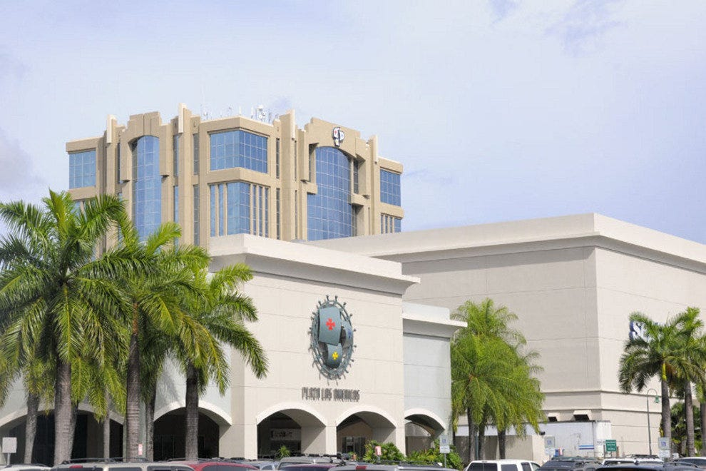 The largest shopping mall in the Caribbean, Plaza las Americas boasts nearly stores, from the anchor stores of major brands such as Macy's and Sears to specialty stores of local artisans.