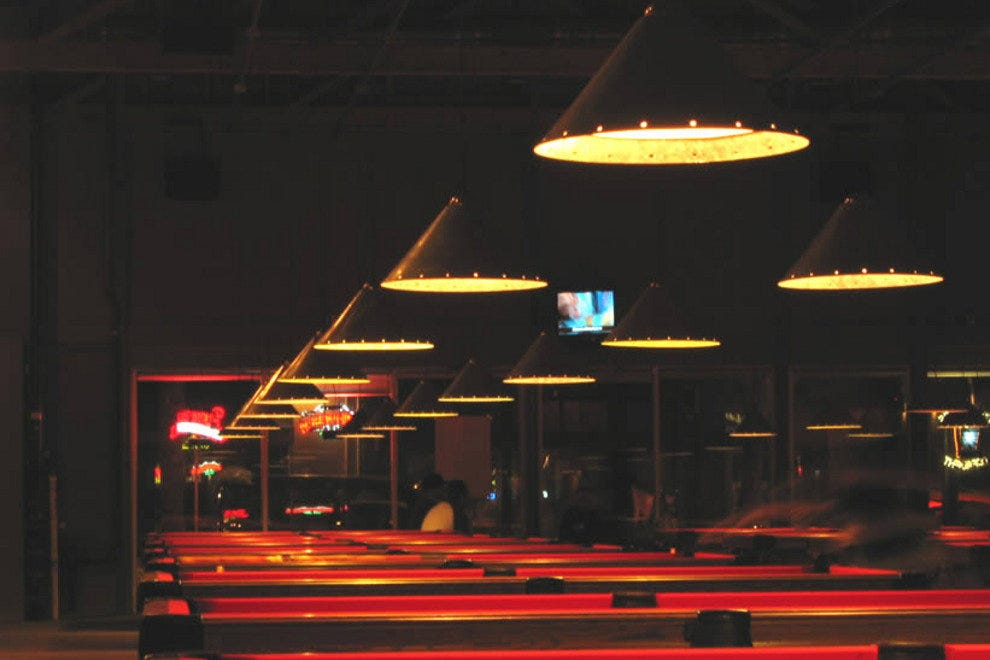 South First Billiards Club Lounge