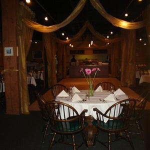 Edmonton buffet restaurants 10best restaurant reviews for Best private dining rooms edmonton