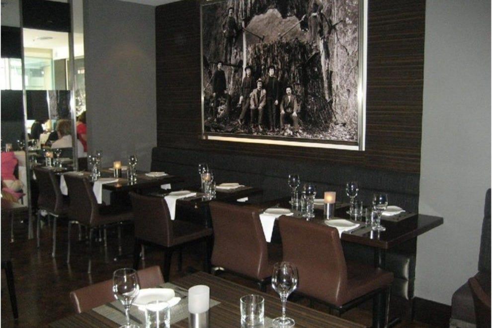 Best vancouver lunch restaurants top 10best restaurant for Italian kitchen menu vancouver