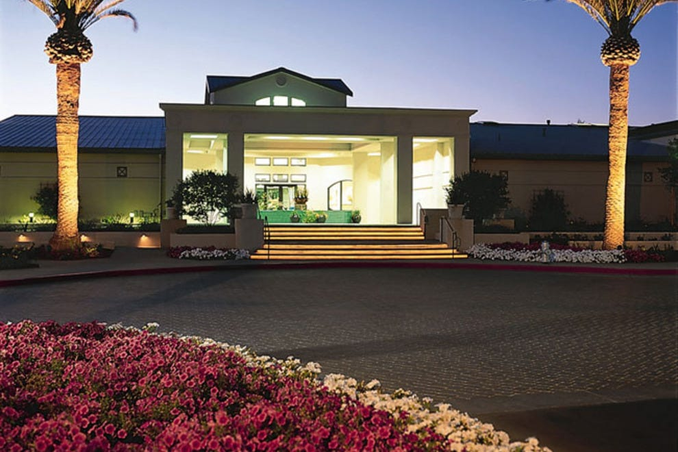 Silverado Resort Lounge