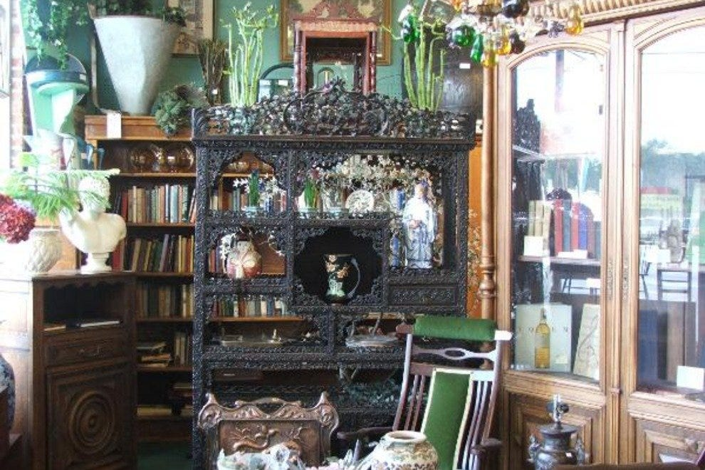 Roumillat's Antiques Mall & Auction